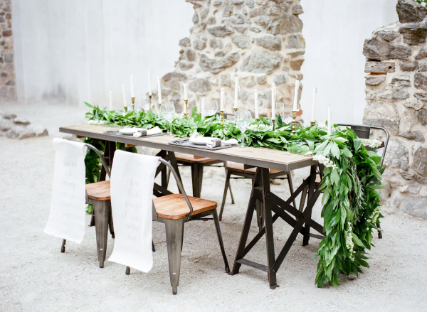 Elegant Gray and Green Wedding Table