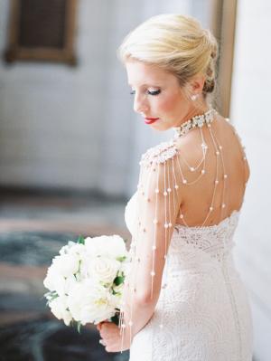 Bride in Pearl Shoulder Necklace