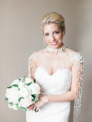 Bride in Shoulder Necklace