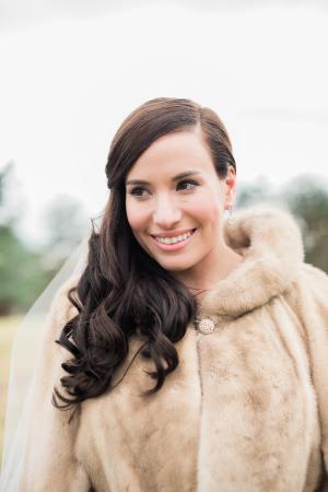 Faux Fur Wrap on Bride