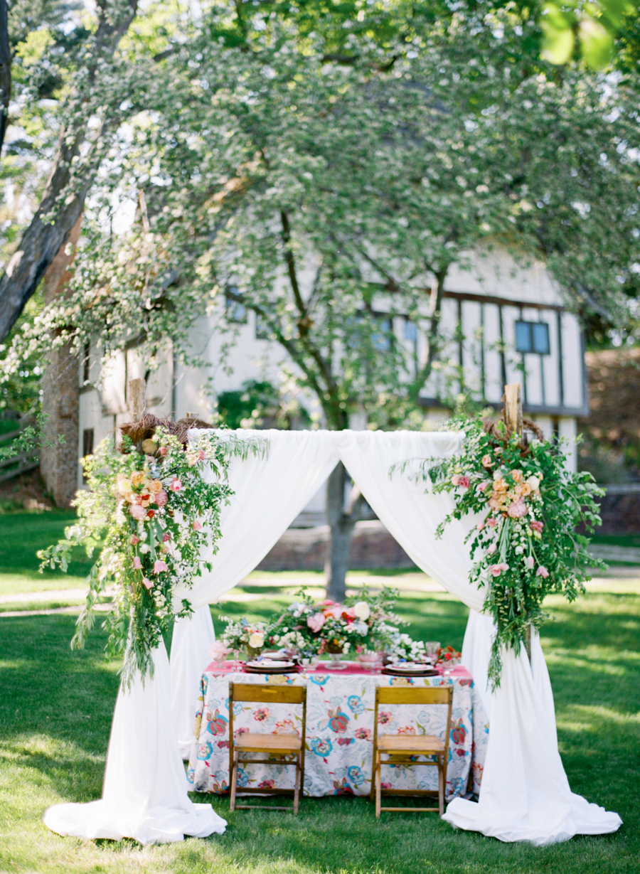 Colorful garden wedding inspiration elizabeth anne designs the colorful garden wedding inspiration elizabeth anne designs the wedding blog junglespirit Image collections