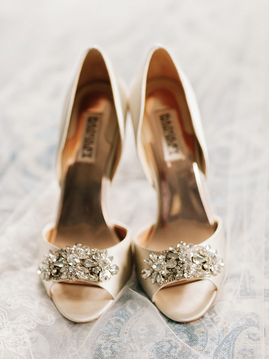 Gold Badgley Mischka Shoes Elizabeth Anne Designs The Wedding Blog