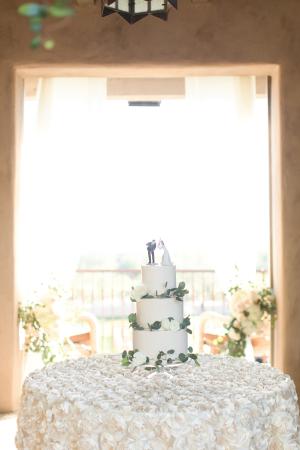 Wedding Cake on Ivory Linen