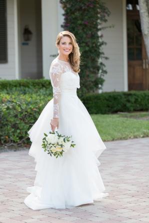Bride in Karen Willis Holmes