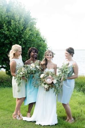 Bridesmaids in Aqua and Blue