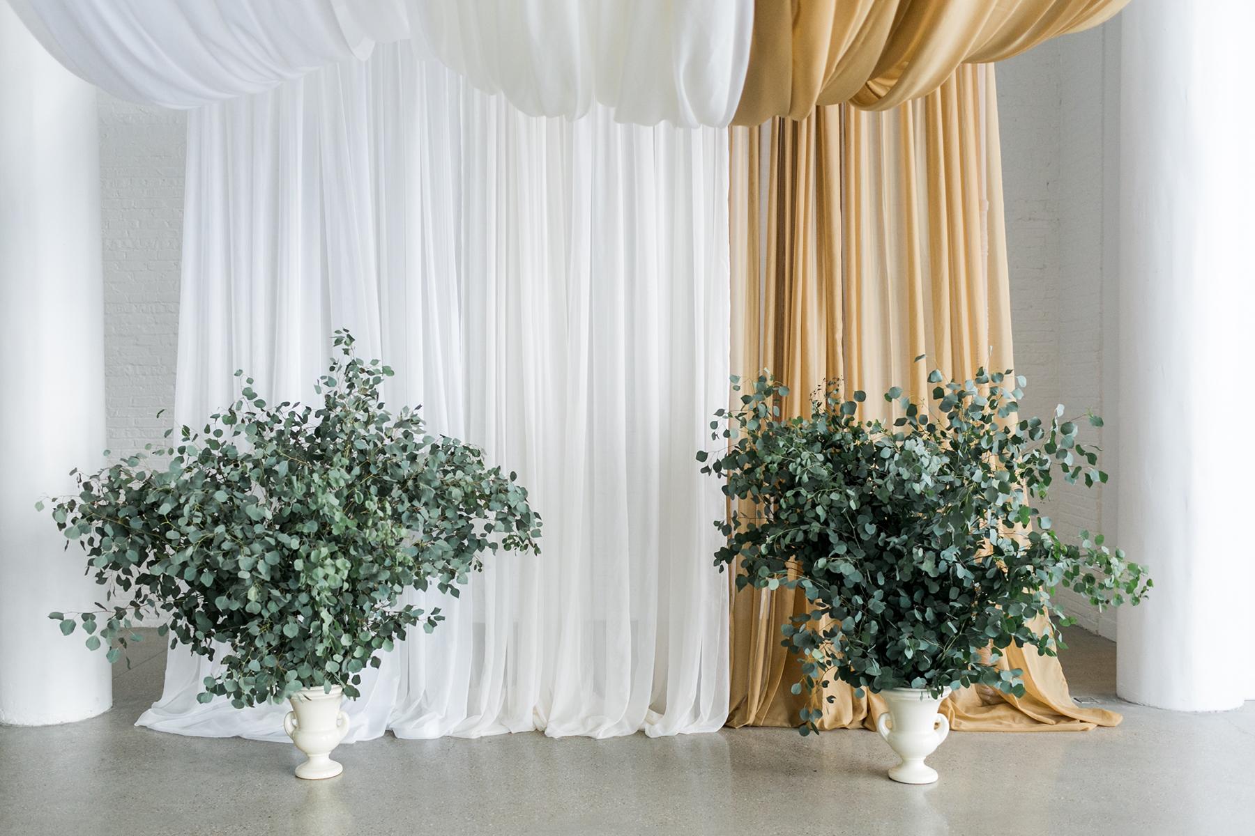 Enormous greenery urns for wedding altar elizabeth anne designs enormous greenery urns for wedding altar junglespirit Gallery
