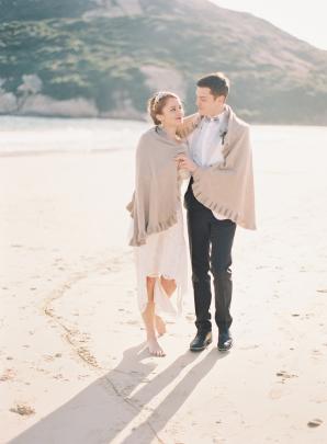 Beach Bride and Groom in Hong Kong