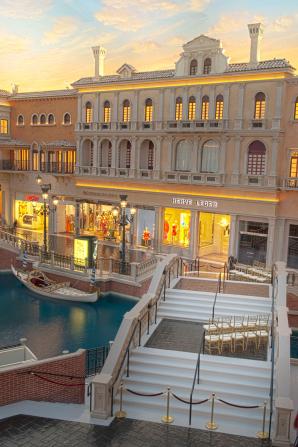Ceremony on Bridge of Love The Venetian