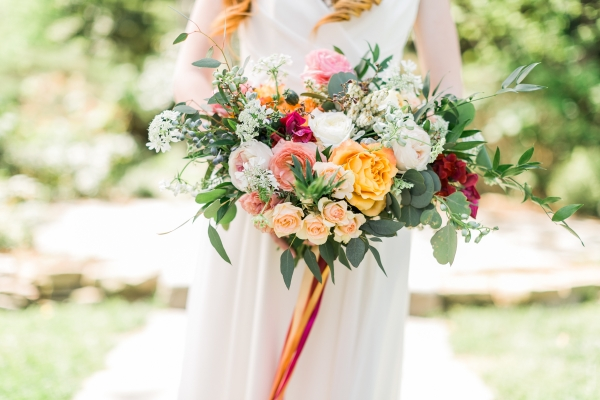 Elegant Bouquet in Pink and Marigold