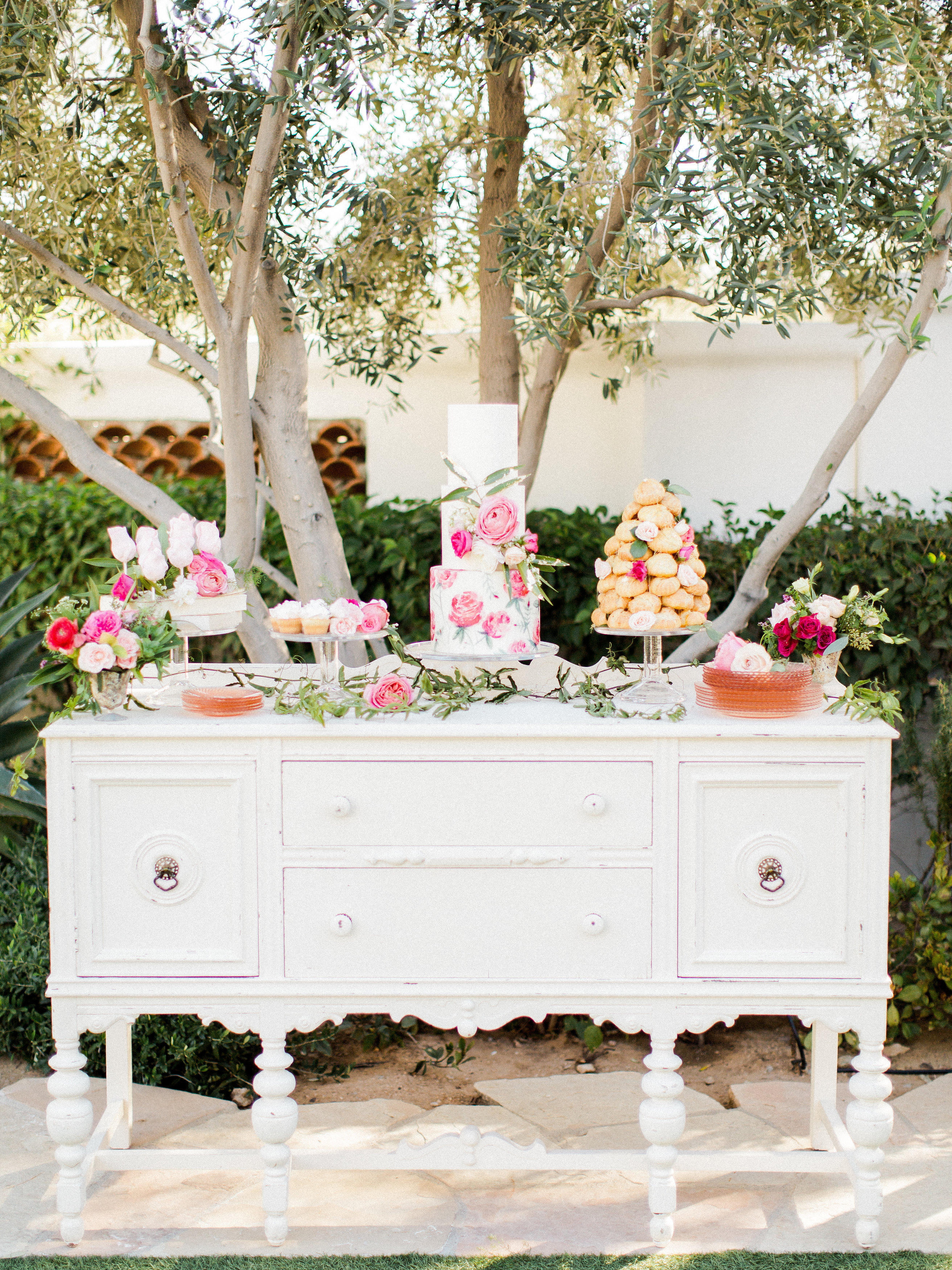 country chic wedding cake table shabby chic wedding dessert table elizabeth designs 12977