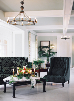 Modern Black Lounge Area for Wedding