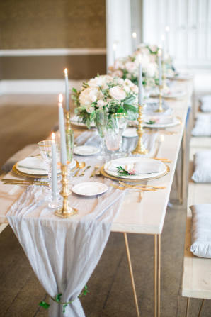 Delicate Gray and Gold Wedding Table