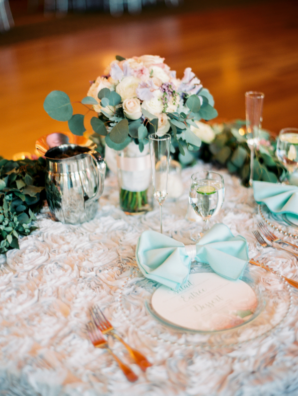 Sweetheart Table with Rosette Linen