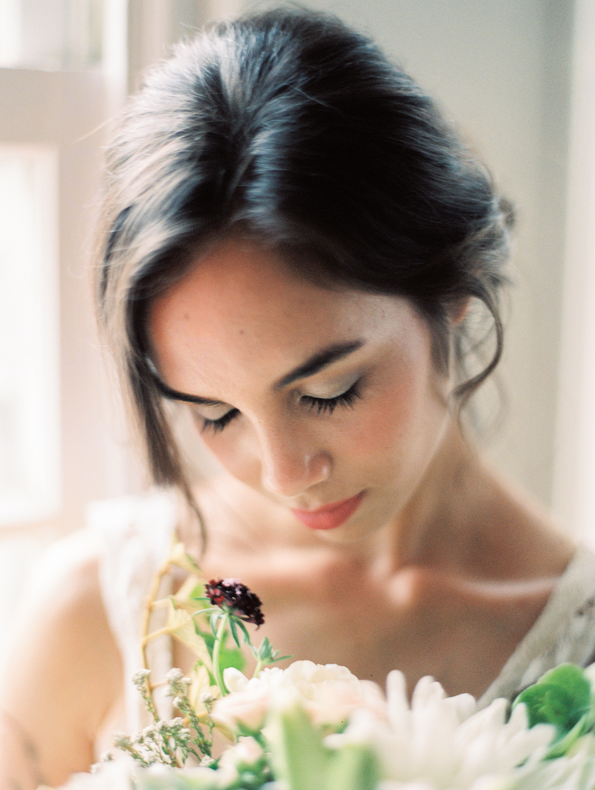 Delicate and Elegant Wedding Makeup