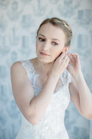 Bride in Anna Maier