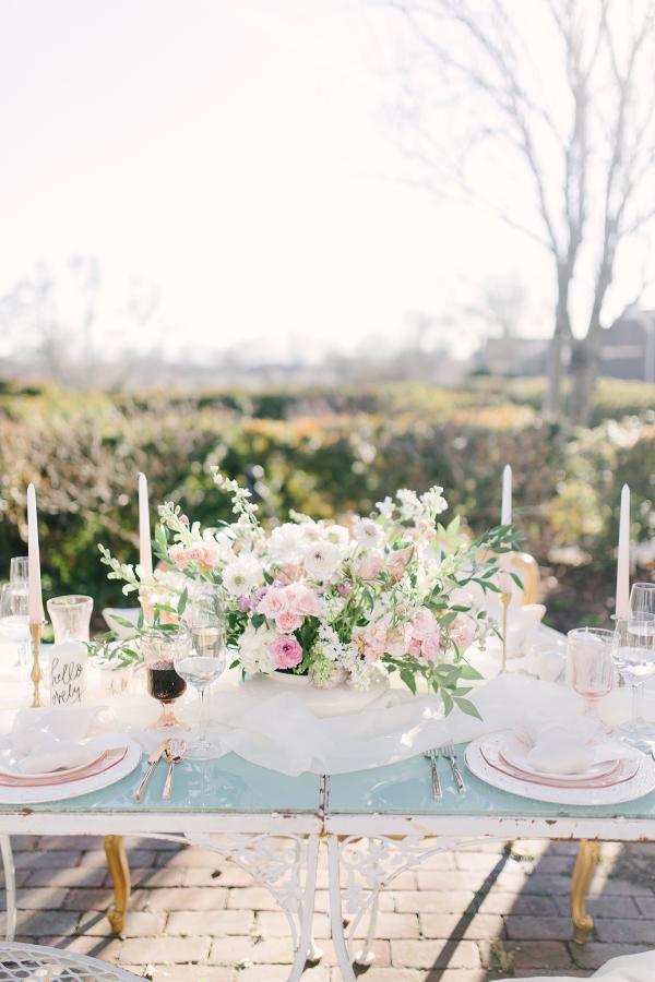 White and Blush Garden Weding