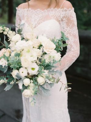 Ivory Elegant Bouquet