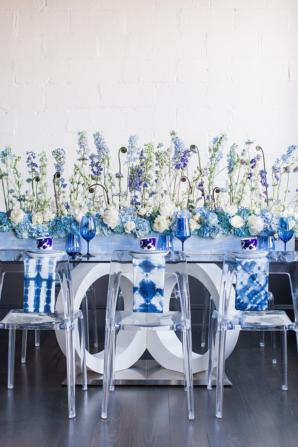 Modern Blue Wedding Table