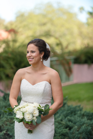 Bride in Lace Mermaid Gown