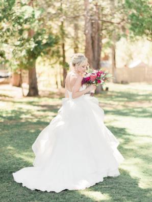 Bride in Lis Simon