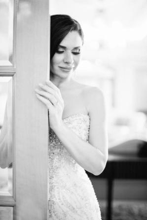 Elegant Dubai Wedding Ideas Save the Date 11