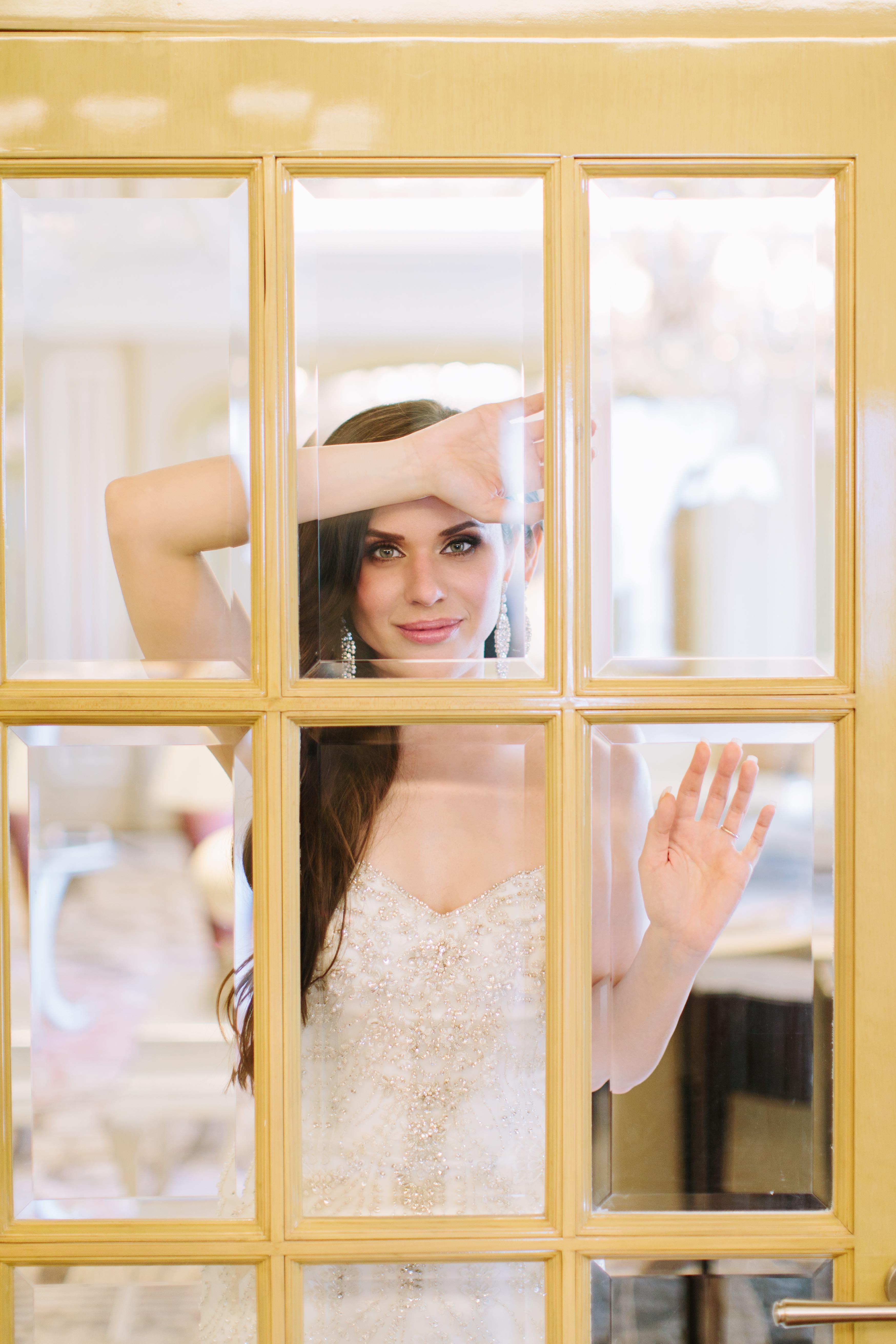 Elegant Dubai Wedding Ideas Save the Date 12