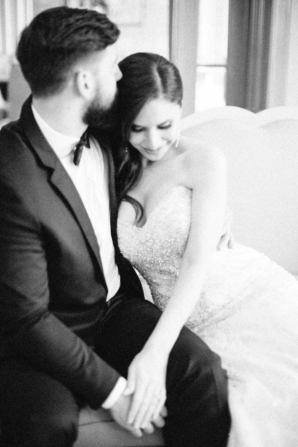 Elegant Dubai Wedding Ideas Save the Date 9