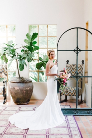 Bride in Strapless Vera Wang Gown