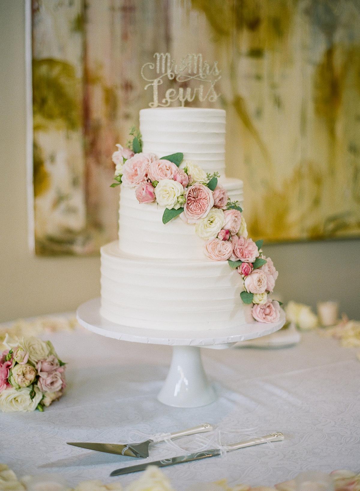 Wedding Cake With Pink Flower Garland Elizabeth Anne Designs The