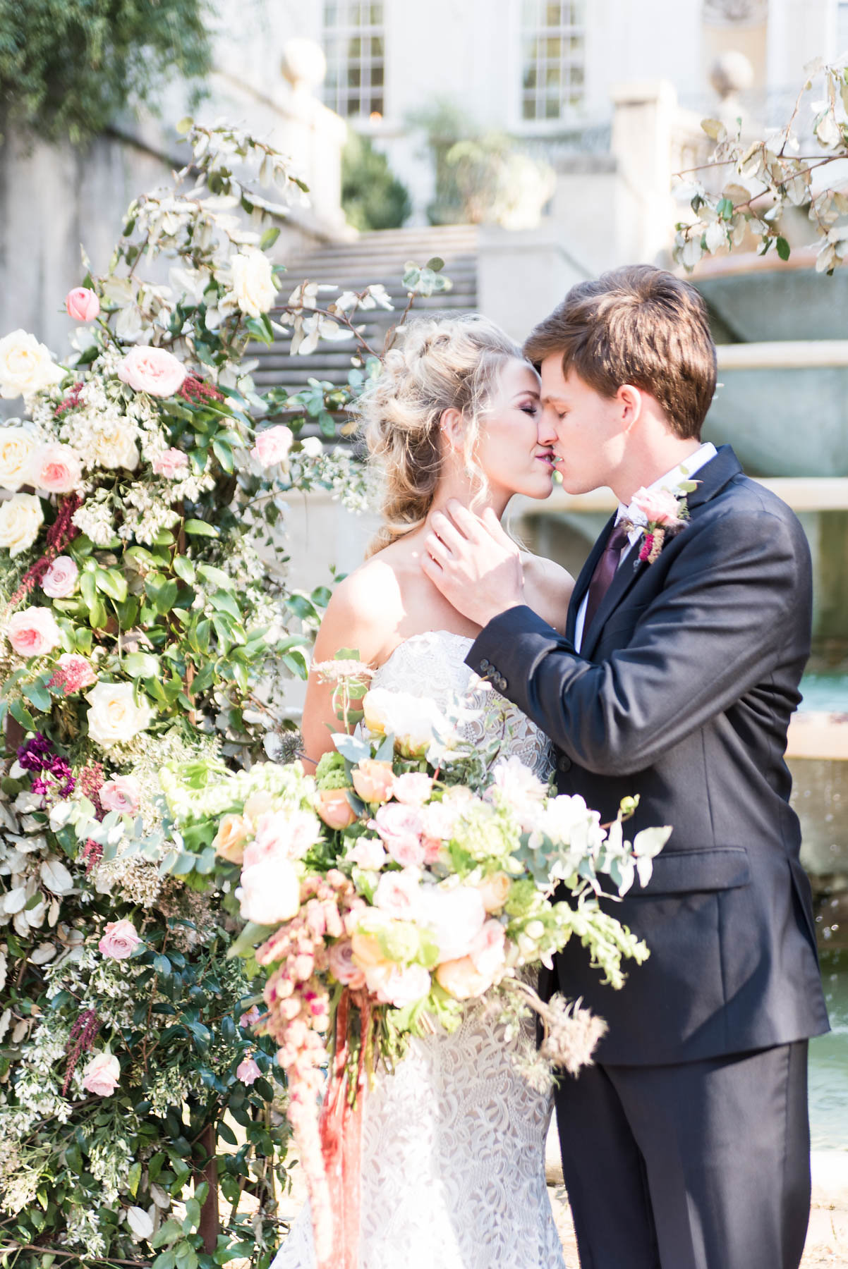 Elegant Early Autumn Wedding Flowers
