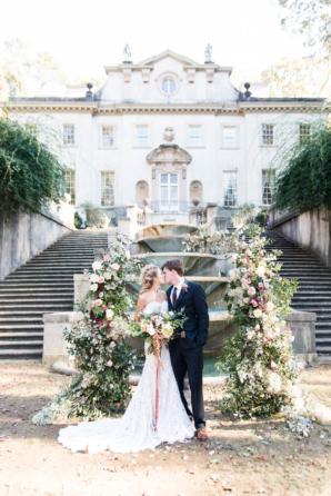 Romantic mansion wedding inspiration elizabeth anne designs the elegant mansion wedding inspiration junglespirit Choice Image