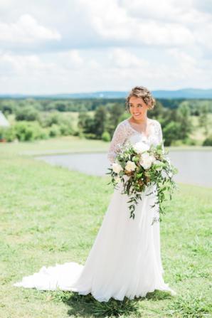 Bride in Rebecca Schoneveld