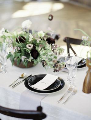 Minimalist Black and White Wedding Table