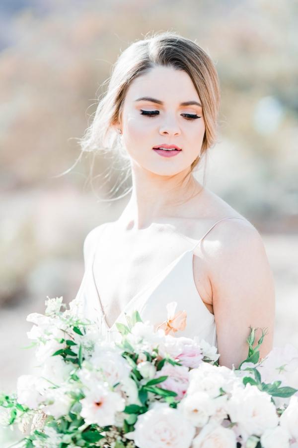 Natural Elegant Bride
