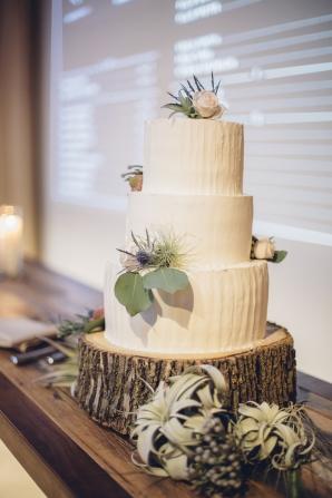 Wedding Cake on Tree Stump Stand