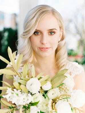 Romantic Blonde Bride Waves