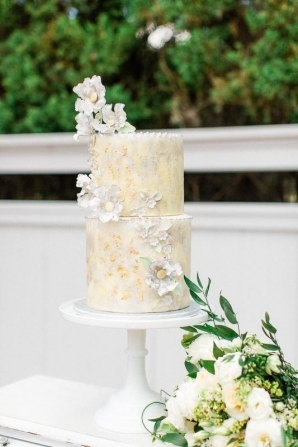 Wedding Cake in Yellow and White