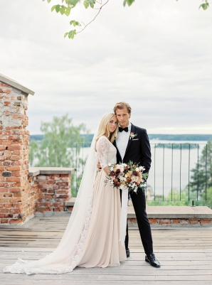 Bright and Warm Colored Wedding Inspiration in Sweden 2 Brides Photography43