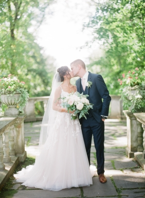 Charming Ohio Wedding at Historic Estate Renee Lemaire08