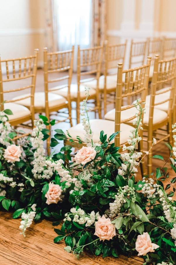 Elegant Flowers for Wedding Aisle