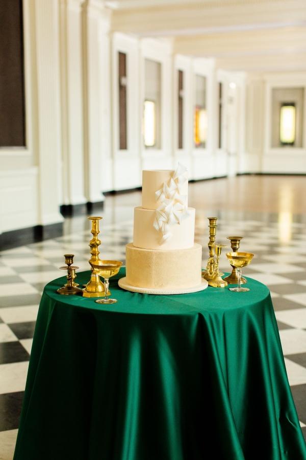 Elegant Hunter Green Wedding Inspiration Alexandra Lee08