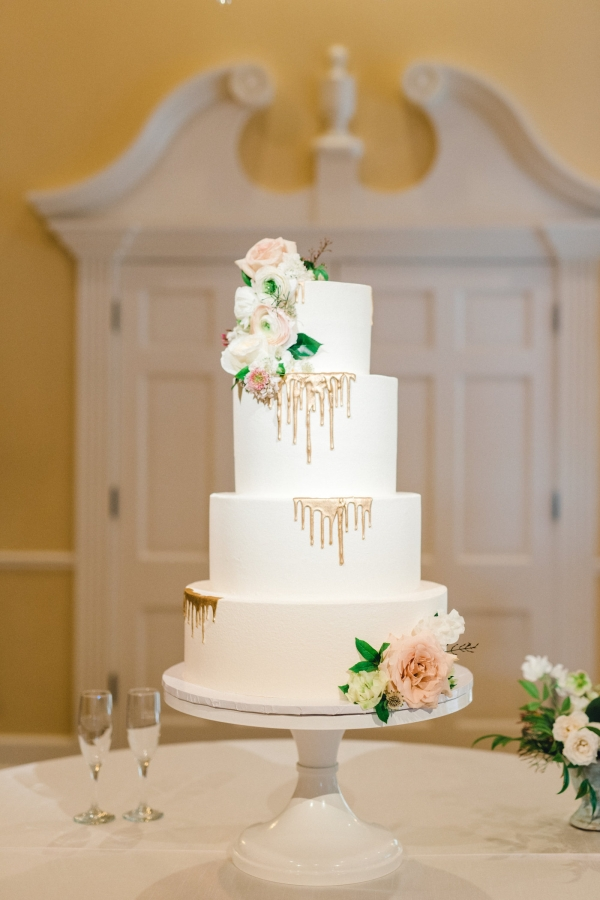 Modern Wedding Cake on White Stand