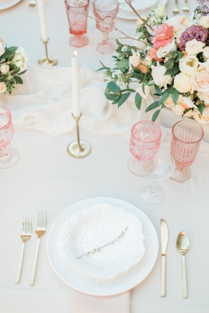 Pink and Gold Romantic Wedding Table