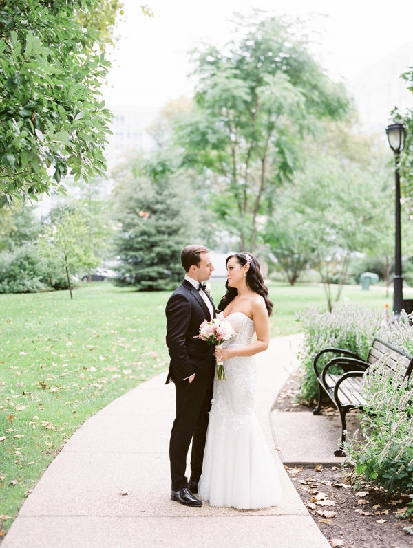Romantic City Wedding in Philadelphia Kristen Weaver22