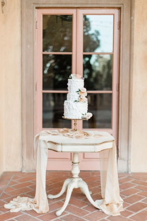 Romantic Peach Wedding Cake Table