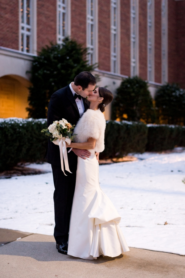 Sophisticated Chicago Country Club Wedding 17