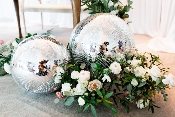Spring Wedding Inspiration Chicago Vintage Weddings 10