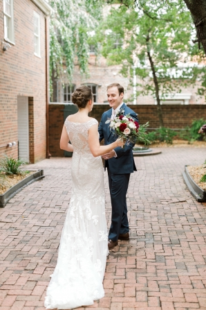 Traditional Virginia Wedding with Pops of Blue06