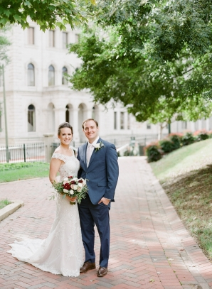 Traditional Virginia Wedding with Pops of Blue14