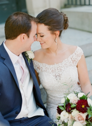 Traditional Virginia Wedding with Pops of Blue15